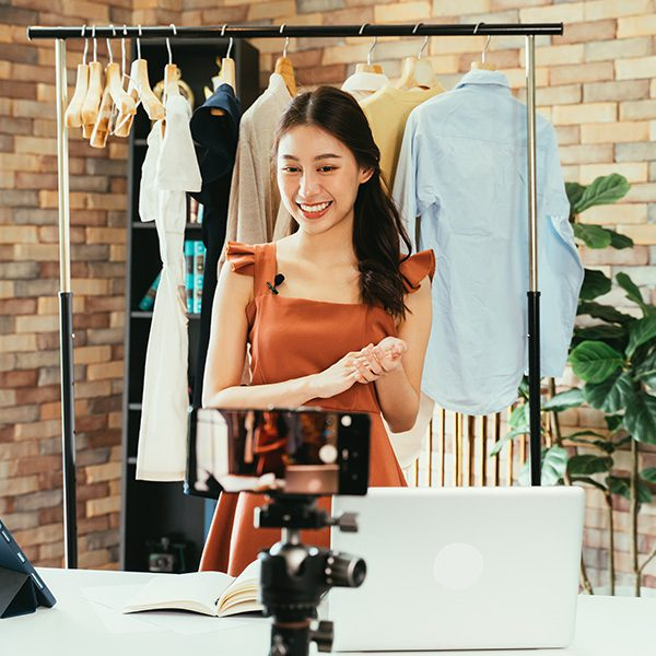 4 Ways to Use a Spokesperson Video in Your Business